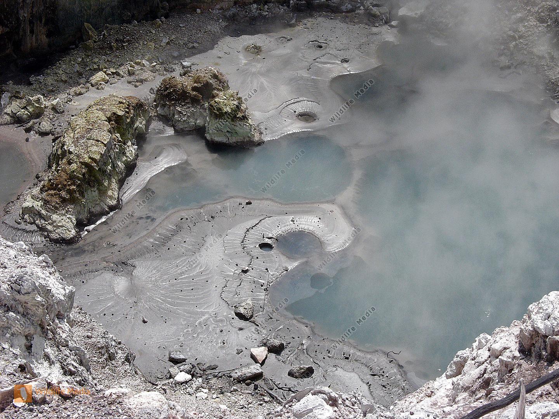 Heiße Quelle