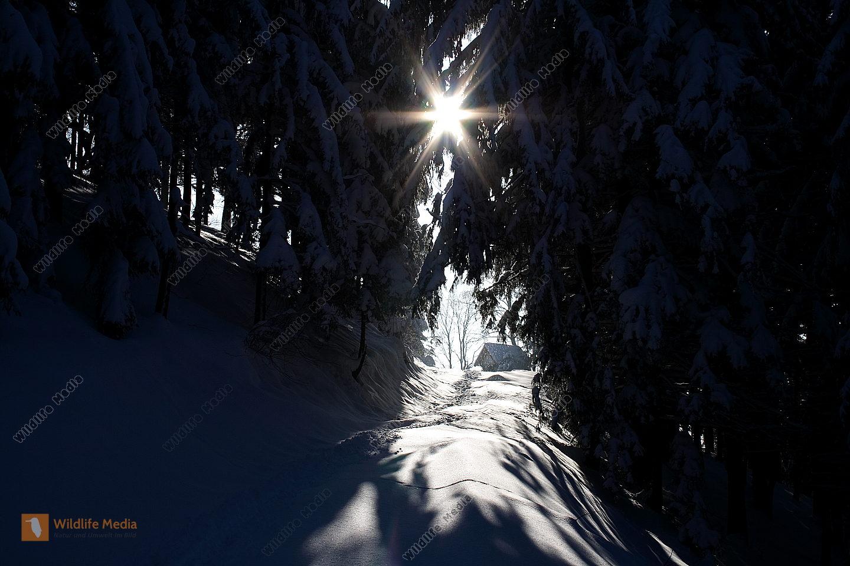 Winterlandschaft mit Kapelle
