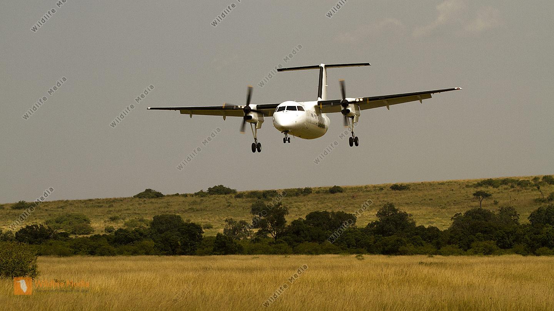 Landeanflug von Nairobi kommend am Airstrip in der Masai Mara