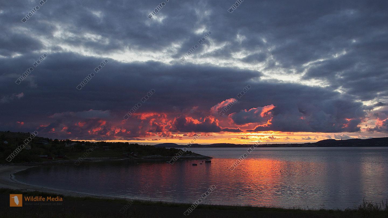 Sonnenuntergang an der Küste Norwegens