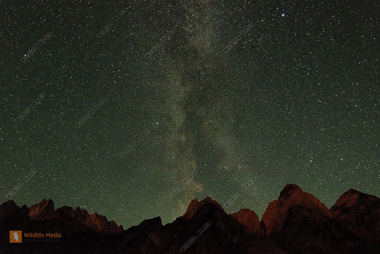 Gosaukamm mit Milchstrasse / Milky Way in night sky