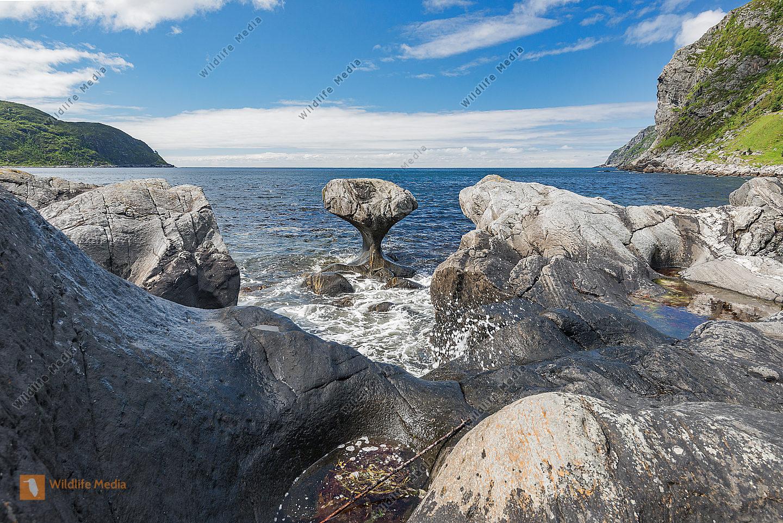 Kannesteinen bei Måløy Vågsøy Sogn og Fjordane Norwegen Europa