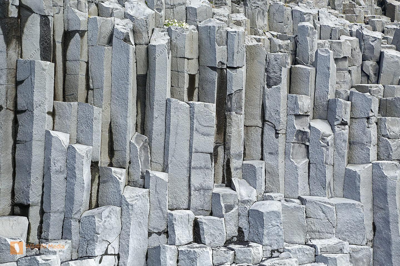 Basaltfelsen bei Vik